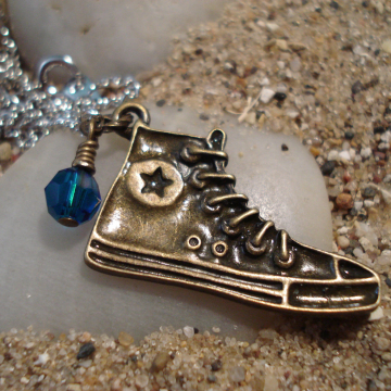 DOCTOR WHO Inspired SNEAKER Necklace (Tenth Doctor Who)