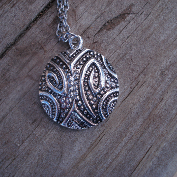 Necklace and Earrings Set (paisley)